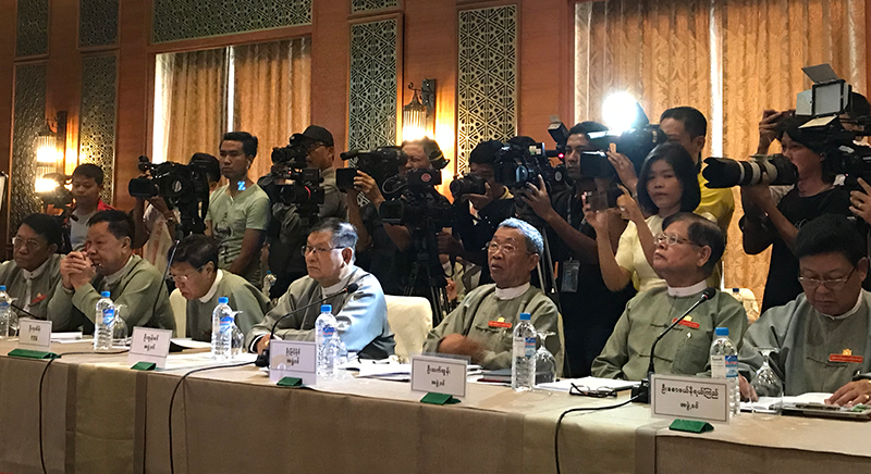 Members of the Myanmar Union Election Commission and reporters during the Dialogue in Nay Pyi Taw. ©UNESCO Myanmar/Mikel Aguirre Idiaquez
