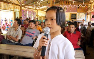 'Karaoke' class: A high note for literacy in Thai mountain villages
