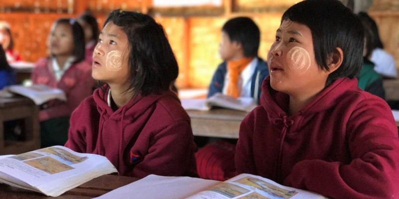 Ethnic girls studying at a non-formal primary education school in Shan State, Myanmar. Thanks to alternative education, many ethnic girls are able to continue their education; however, many more are educationally underserved. (©UNESCO/H.Lee, 2017)